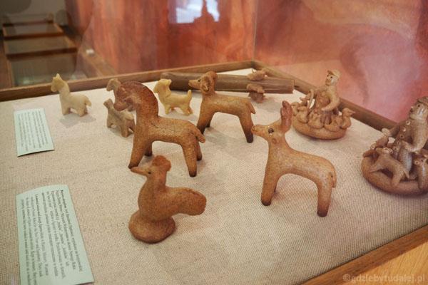 Figurki wotywne - pomagały wyjść zwierzętom z chorób.
