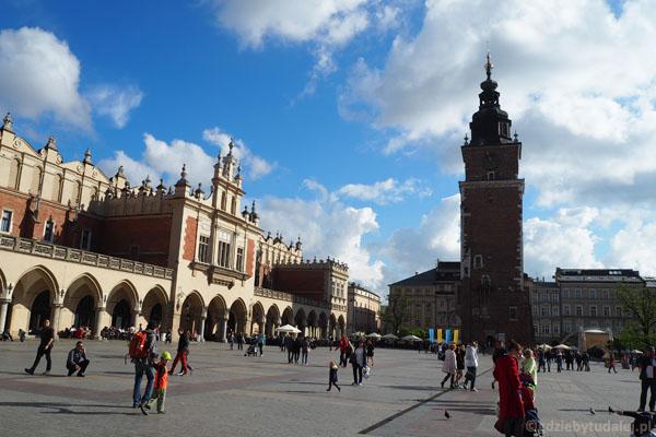 Jedyna wieża pozostała z gotyckiego ratusza.