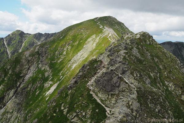 Trudności zaraz zelżeją. Przed nami Hruba Kopa (2163 m).