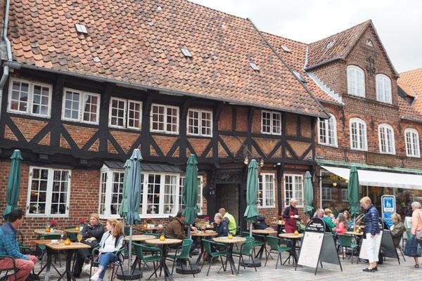 Oberża Weis Stue stoi tu od 400 lat.