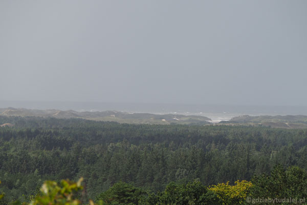 Ale po zbliżeniu można się dopatrzyć naszego ulubionego typu wybrzeża w Danii