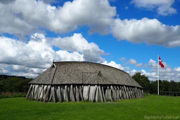 Odtworzony budynek z czasów wikingów