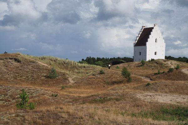 Kościół pod piaskiem, czyli świątynia św. Wawrzyńca (XIV w., zamnięta XIX w.)