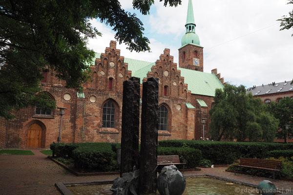 Kościół Marii Panny (Vor Frue Kirke) - najstarsza świątynia w Aarhus (XI w., przeb.)