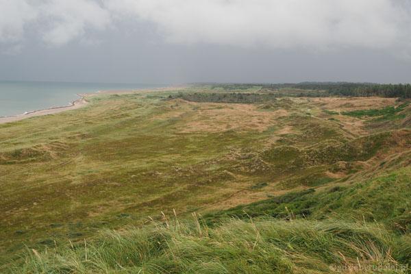 Widok z klifu Bulbjerg w kierunku wschodnim
