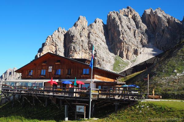 Przy górnej stacji znajduje się schronisko Son Forca.