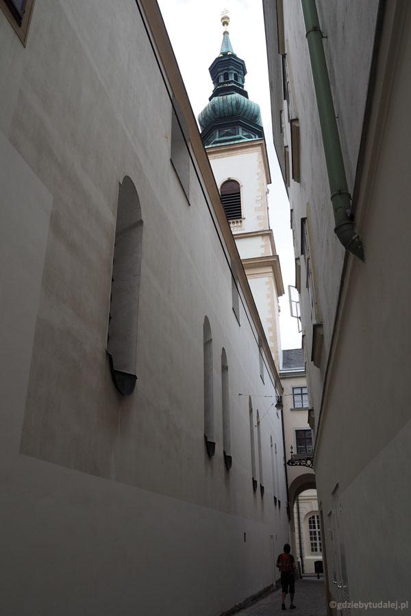 Wiedeńskie wąskie zaułki są pozostałością średniowiecznego rozplanowania miasta.