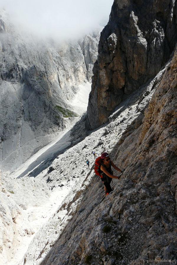 Najtrudniejsze miejsca na ferracie Nico Gusella są przed przełęczą Stephen.