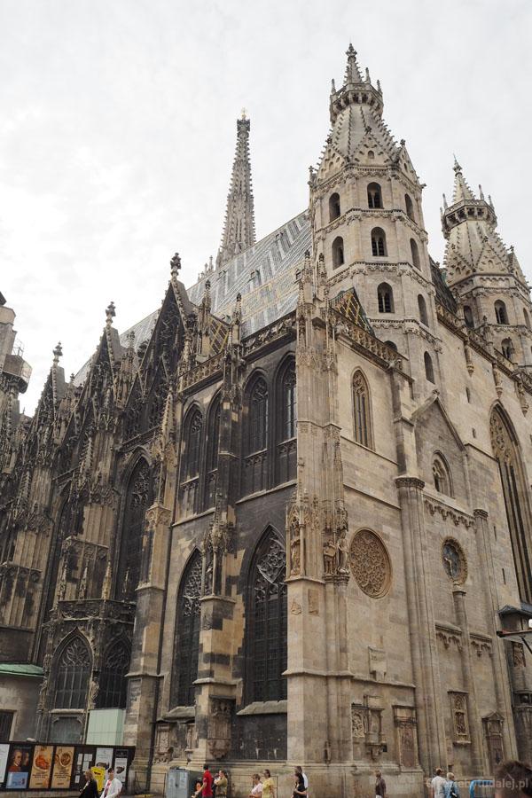 Wieże Pogańskie i Brama Oblrzymów to pozostałość po XIII-wiecznym dawnym kościele.