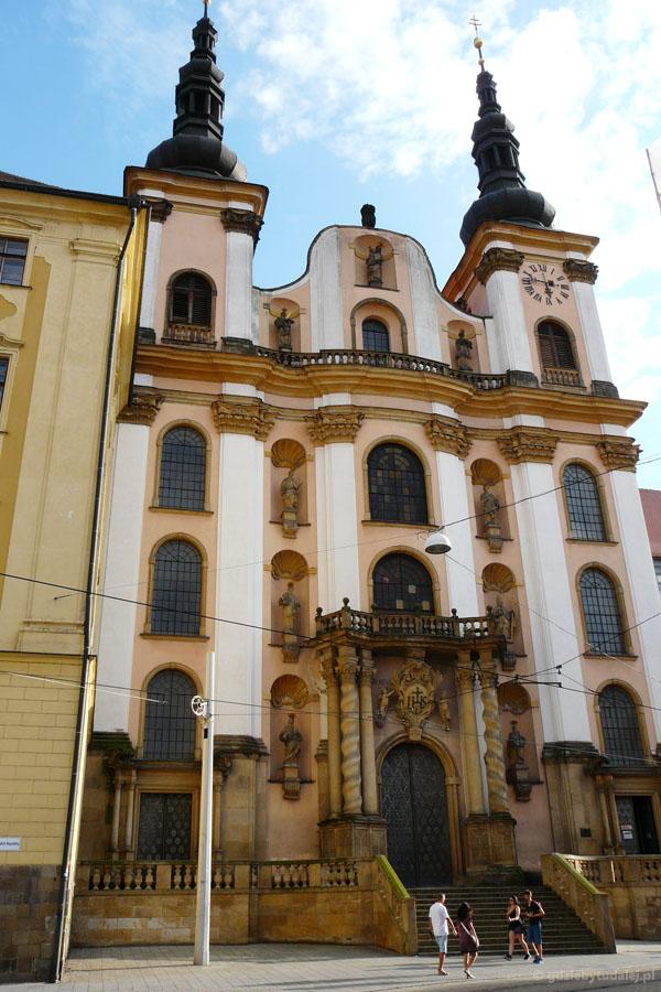 Barokowy kościół MB Śnieżnej powstał na początku XVIII w.