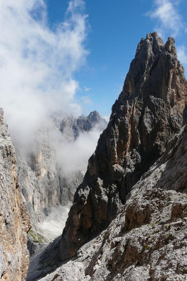 Przełęcz Passo di Ball zostaje w tyle.