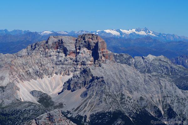 Croda Rossa na tle Alp.