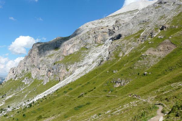 Wchodzimy na przełęcz Giogo di Fassa.