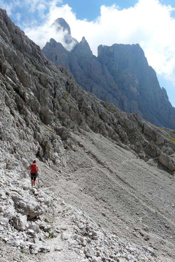 Z przełęczy Porton ruszamy w kierunku schroniska Velo della Madonna.