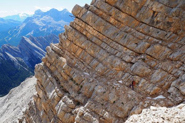 Trawersujemy go z wykorzystaniem naturalnej półki skalnej.