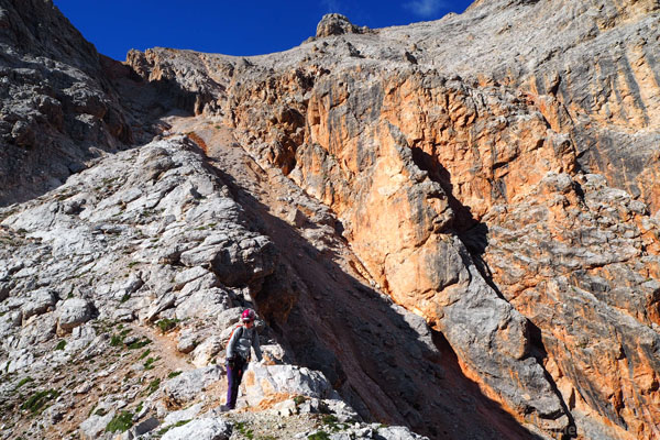 Rzut oka do tyłu na fantastyczne barwy skał.