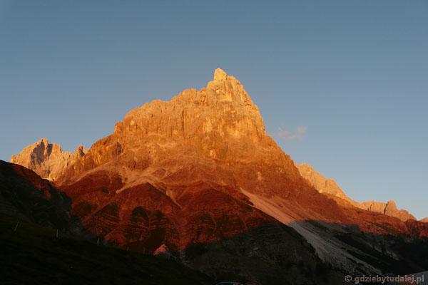 Wracając do Sottogudy, nie możemy nadziwić się niezwykłym kolorom Dolomitów.