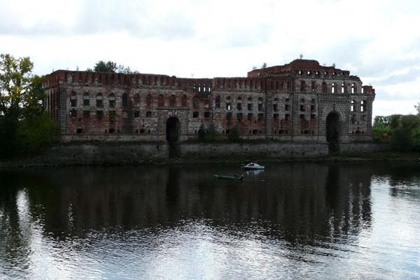 Spichlerz to filmowy Zamek Horeszków z 'Pana Tadeusza'