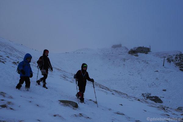 Na Suchej Przełęczy (1950 m) schodzimy z grani.