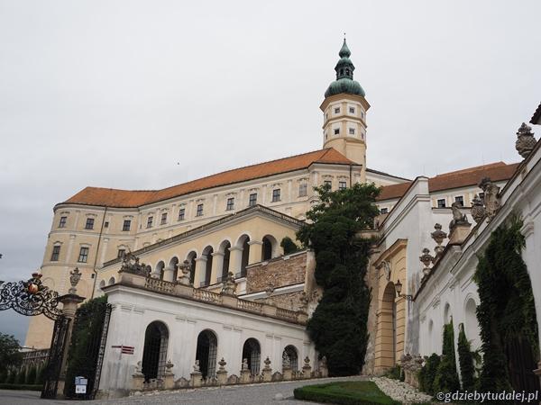 Zamek sięga historią początku XIII w.