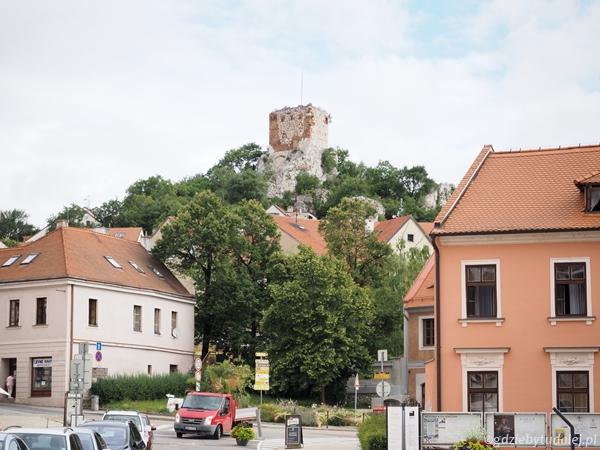 Na kolejnym wzgórzu znajduje się Kozi Hradek - dawna wieża artyleryjska.